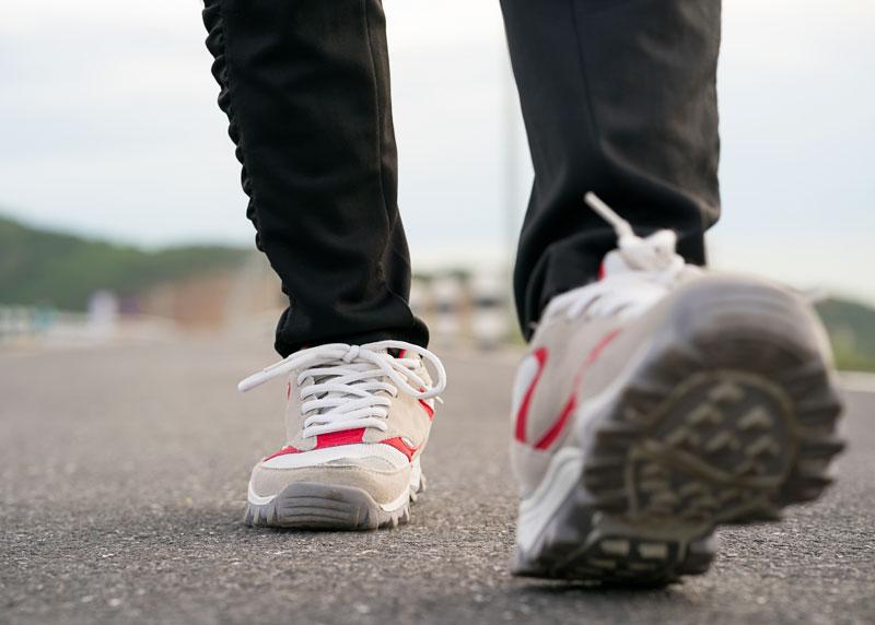 scarpe comode per camminare migliori